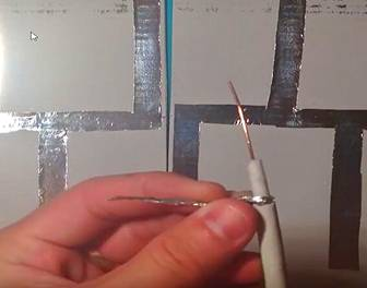 Комнатная ДМВ антенна подготовка кабеля