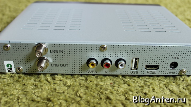 GS 8305 zadniaia panel